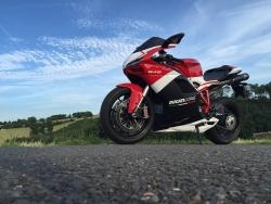 Kurz osvěží motorkářům po zimě zásady bezpečné jízdy