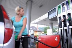 Průměrná cena benzinu v Ústeckém kraji opět stoupla, nafty méně