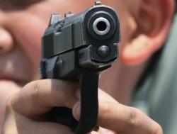 Zemřel strážný, který se ve věznici Bělušice střelil do hlavy