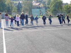 Díky Skupině ČEZ mají děti zBečova nové sportoviště