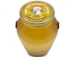 Ochutnejte med z české včelí farmy