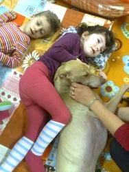Canisterapie vdenním dětském rehabilitačním stacionáři.