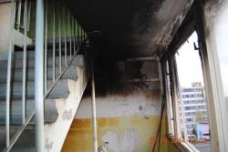Požár komor v panelovém domě