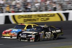 Osmiválcové speciály NASCAR se vydají do ulic Mostu